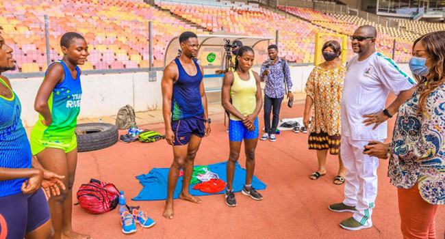 Sports Minister Sunday Dare with the athletes