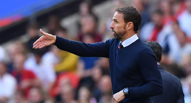 Ian Wright berates Southgate as England draw with Scotland